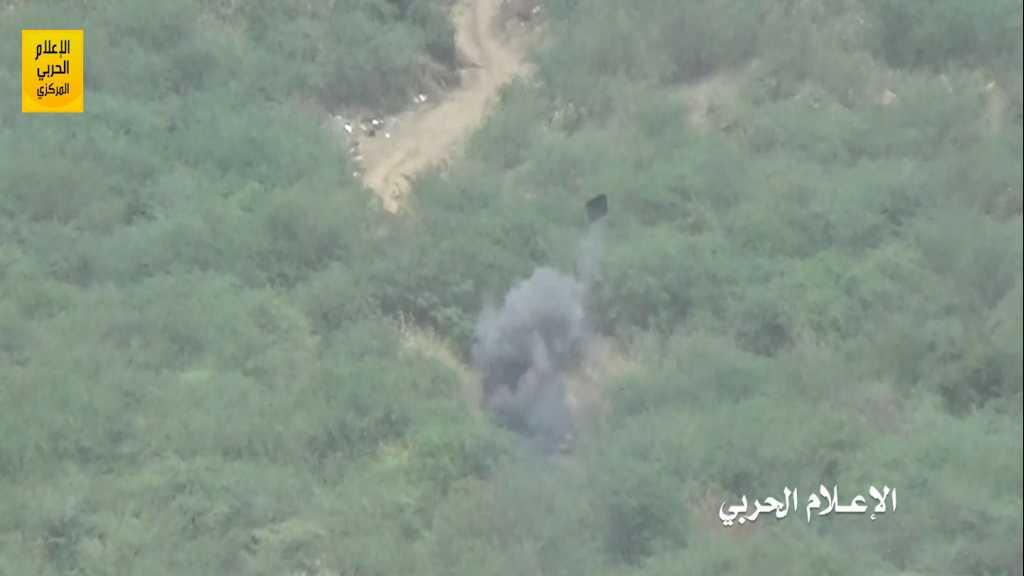 بالفيديو | تدمير آلية محملة بمسلحي #تحالف_العدوان في #جيزان