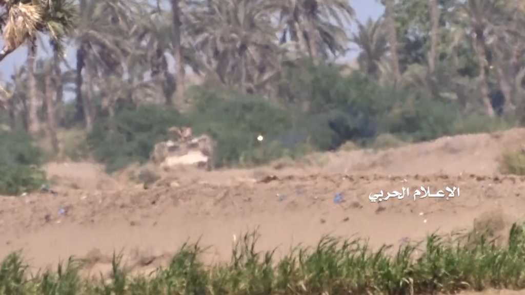 بالفيديو | إعطاب مدرعة #إماراتية بصاروخ موجه في #الساحل_الغربي