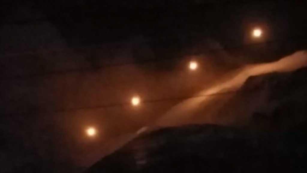 #العدو_الصهيوني يطلق قنابل مضيئة في محيط مواقع الرادار ورويسات العلم في #مزارع_شبعا المحتلة