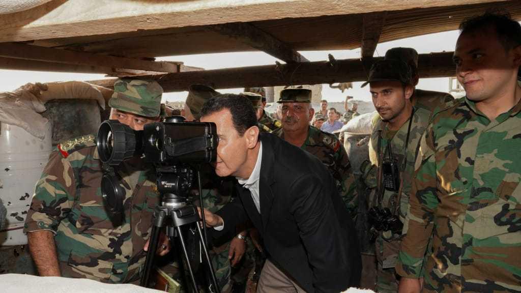 الرئيس #الأسد يتفقد وحدات #الجيش_السوري في ريف #ادلب