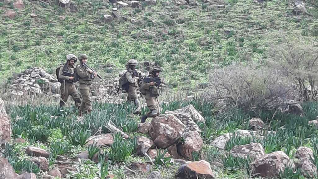 دورية لجنود العدو الإسرائيلي مقابل الوزاني في جنوب لبنان