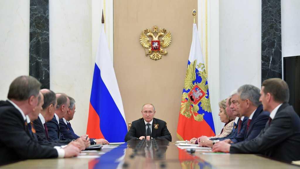 بوتين يناقش مع أعضاء مجلس الأمن الروسي مستجدات الوضع في إدلب