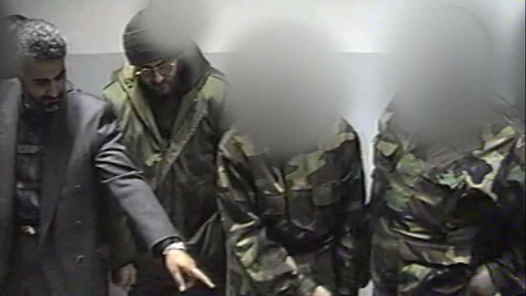 بالفيديو | الحاج قاسم سليماني في زيارة لأحد مواقع المقاومة عام 1998